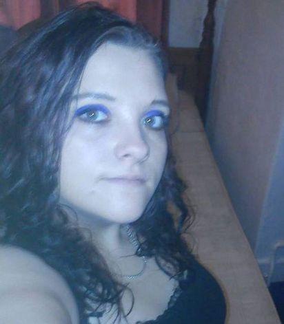 超慘! 腳踏三條船 男遭「燙小鳥」酷刑 | 22歲的懷特(Leah White)