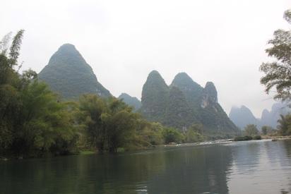 廣西桂林落石意外 8台旅客輕傷 | 桂林「喀斯特」特殊石灰岩地形