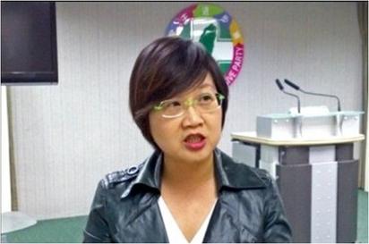 總統低調出國弔唁李光耀 徐佳青:悶啊 |