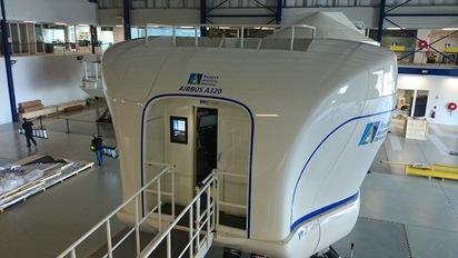 上億模擬機將來台 首家模擬機訓練中心落腳南崁 | A320飛行員模擬機。翻攝「ansettaviationtraining」