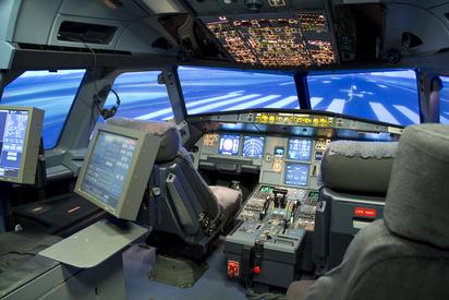 上億模擬機將來台 首家模擬機訓練中心落腳南崁 | 澳洲籍機師未來將來台授課。翻攝「ansettaviationtraining」
