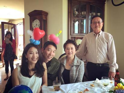 幸福!隋棠:兒子快要來報到了 | 隋棠與老公Tony、婆婆(右2)、舅舅(右1)