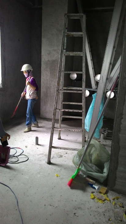 大巨蛋違規16項 將裁罰102萬   使用高度2公尺以上之合梯未搭設施工架