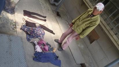 阿伯偷香油錢 員警意外發現他的秘密…. | 阿伯所脫下的女性衣物
