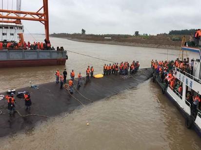 好偉大! 搜救隊員為救人 逃婚歸隊 | 超過2百名人員參與現場救援(翻攝鳳凰網)
