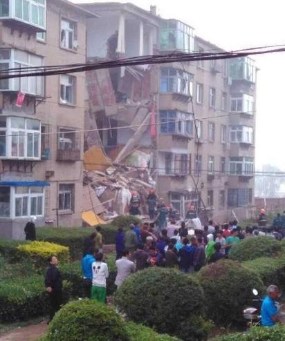 嚇! 瓦斯桶爆炸 葫蘆島大樓垮 | 事故大樓已嚴重崩塌(翻攝網路)