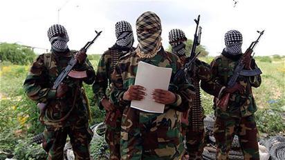 【華視起床號】阿聯使館車隊索國遭攻擊 6人死亡 | 伊斯蘭組織「青年軍」宣稱策畫這起攻擊案。