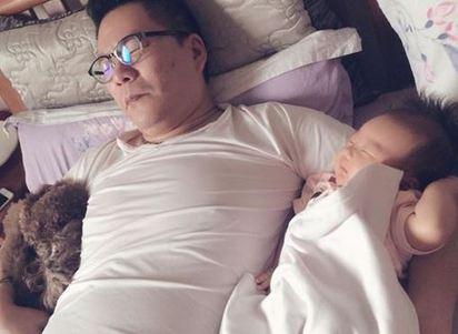 沈玉琳愛女大眼好萌 網友:可以多生幾個 | 之前與女兒同眠照.網友戲稱2個玉琳哥