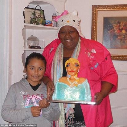 這不是「Elsa」! 蛋糕師傅搞錯了嗎? | 艾莎公主蛋糕竟變成大嬸