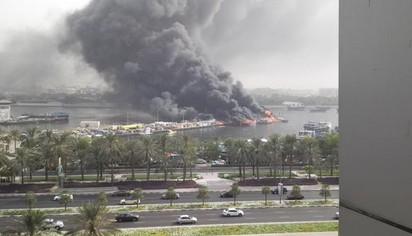 驚! 黑煙竄天 杜拜傳多艘船隻起火 |