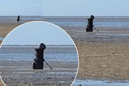 是死神嗎? 英國爸爸沙灘上遇見... |