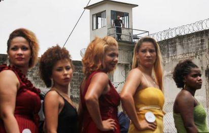 另類選美! 巴西辦監獄選美.為女囚找回自信   一邊選美一邊有持槍警衛站哨