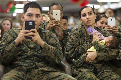 歐巴馬健身房操肌 見他們自嘆「好渺小」… | 歐巴馬每年都會到歐胡島(Oahu)度假,並探訪陸戰隊基地勞軍(翻攝網路)