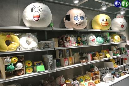 【小編直擊】LINE台灣新總部曝光! 一鏡到底看遍熊大兔兔的家 | LINE還提供商品區讓員工可以購買。