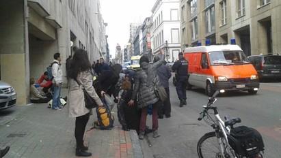 布魯塞爾地鐵爆炸 比利時全國反恐升至最高級 | 許多民眾在地鐵爆炸中受傷