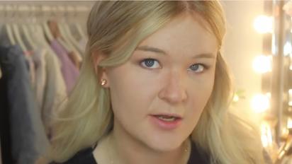 【影】她擦100層粉底液在臉上 結果... | 第1層。