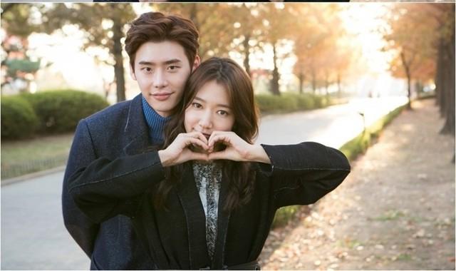 李鍾碩(左)與朴信惠因韓劇《皮諾丘》被封為「達仁情侶」,去年7月也曾傳出秘戀4個月。(翻攝自網路)