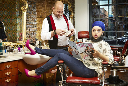 【影】是女似男?! 女生落腮鬍破世界紀錄 | 哈爾娜姆考爾現也成為第一位走在倫敦時裝週伸展台上的「落腮鬍女模」