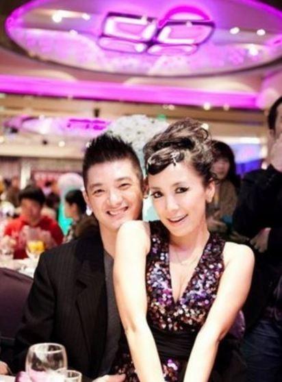 謝麗金離婚原因 小三傳照片粉碎7年婚 | 翻攝自臉書。