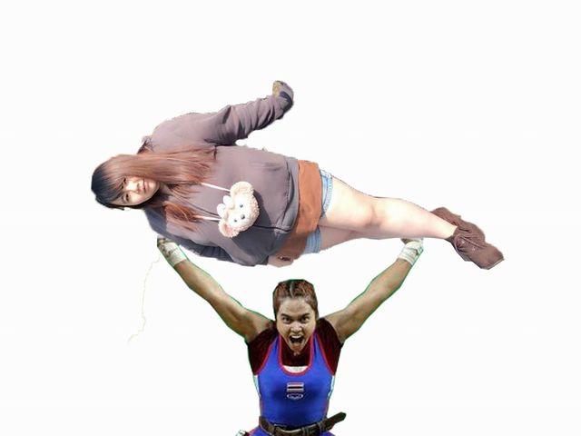 網友搞笑將原PO讓貌似羅志祥的舉重選手舉起