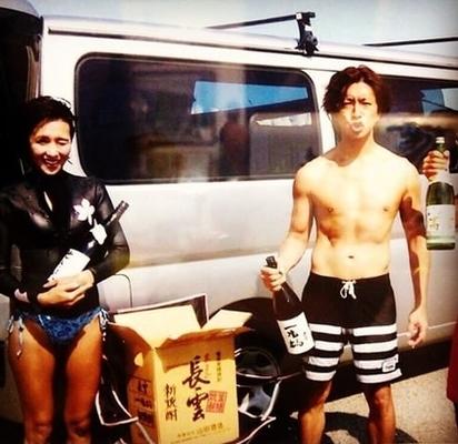 木村拓哉爆外遇 大阪藏私生子養小三 | 木村拓哉和工藤靜香2000年結婚至今,感情依舊。翻攝畫面。