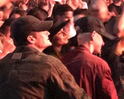 凱蒂佩芮復合? 演唱會熱吻魔戒神射手 | 凱蒂與奧蘭多相偕看演唱會。