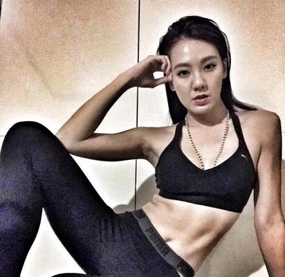 劉雨柔表妹 用完美身形呼籲「健身」愛自己 | 劉雨柔愛運動