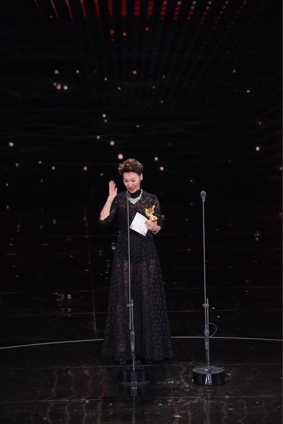 金馬54頒獎典禮落幕 完整得獎名單看這 | 最佳女主角《血觀音》惠英紅。(金馬執委會提供)