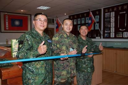 鄭兆村入伍訓練 擲手榴彈80公尺破紀錄 | (翻攝陸軍司令部臉書)
