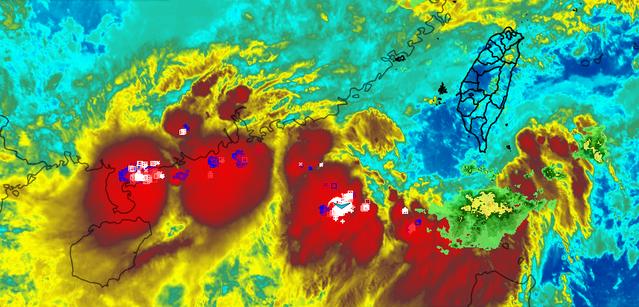 西南氣流影響 午後雨神由南往北侵襲 | 翻攝自氣象達人彭啟明