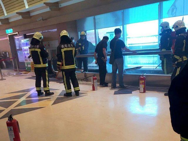桃機第二航廈疑機械故障冒煙 4航班受影響   (翻攝畫面)