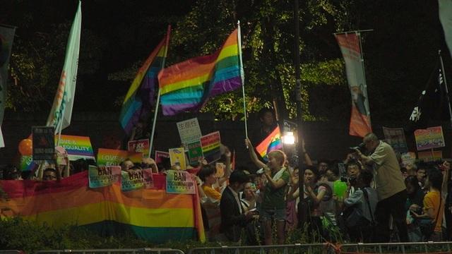 台灣大法官釋憲的啟示 日首位出櫃議員挺婚姻平權  | 日本政治人物提及LGBTQ族群屢屢失言,造成7月時5000人在同時走上東京街頭示威抗議。