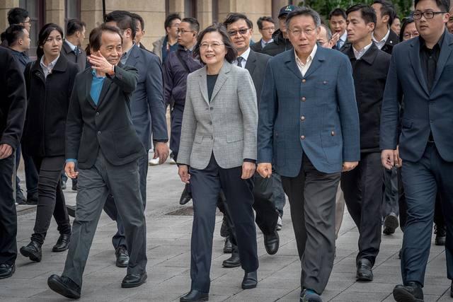 蔡柯會前提「交出戰犯」?柯文哲:臺灣最不缺謠言 | 蔡英文與柯文哲。(資料照)