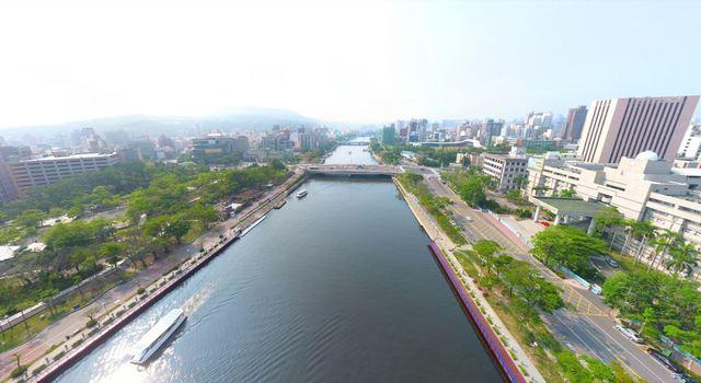 首長就職典禮看這裡!柯韓人氣大車拼 | 高雄愛河河畔示意圖。(翻攝自GoogleMap)