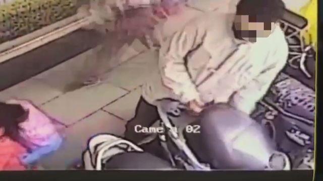 主廚搶劫贖90萬愛車 贓款分給3女人 | 游嫌28日偷贓車至板信銀行搶錢。(翻攝畫面)