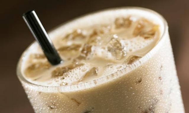 周六補班別崩潰 咖啡業者祭優惠讓你爽 | 冰咖啡。(資料照)