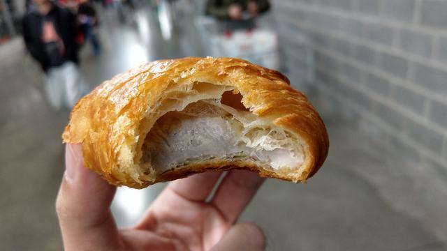 網友說這款芋頭奶油酥很好吃。(翻攝臉書社團「Costco好市多 商品經驗老實說」)