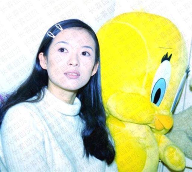 23歲的章子怡。(翻攝微博)