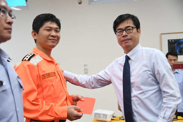 行政院陳其邁副院長出席海委會舉行「巡護八號執行穩鵬號漁船喋血案記者會」