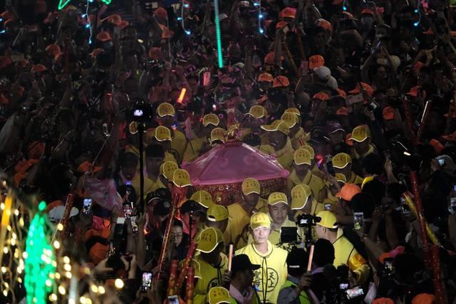 今(108)年白沙屯媽祖徒步進香活動報名人數近5萬人。(翻攝自白沙屯拱天宮臉書)
