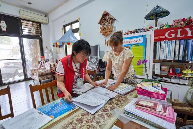 新竹市政府稽查遭檢舉的幼兒園。(新竹市政府提供)
