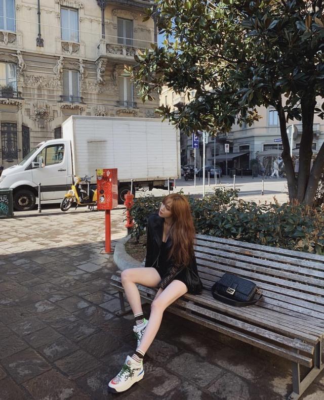 超不科學美腿!李聖經舊照引網友暴動   韓國女演員李聖經擁175公分的高挑身材。(翻攝自李聖經Instagram)