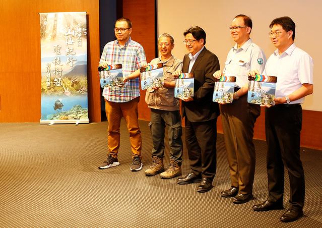 雪霸絕美紀錄片「聖凌樹冠」榮獲多項國際獎 | 聖凌樹冠紀錄片榮獲多項國際獎。(雪管處提供)