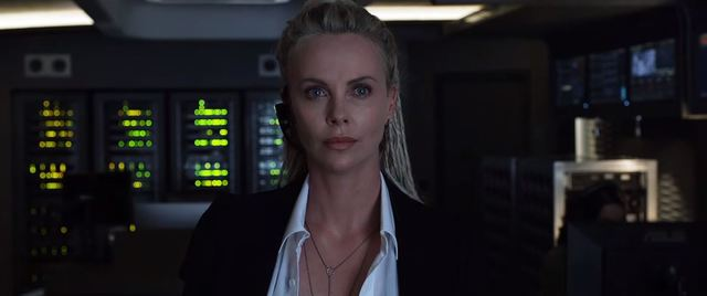 莎莉賽隆飾演《玩命關頭8》恐怖份子賽芙/翻攝自YT「環球影片 官方頻道」