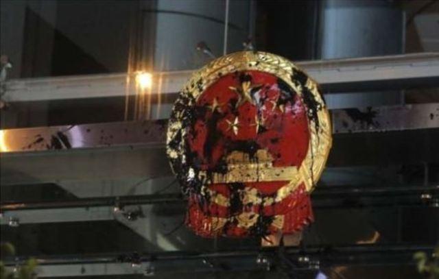 國際聚焦香港! 白衣人血洗元朗 外媒大篇幅報導 | (翻攝英國BBC)