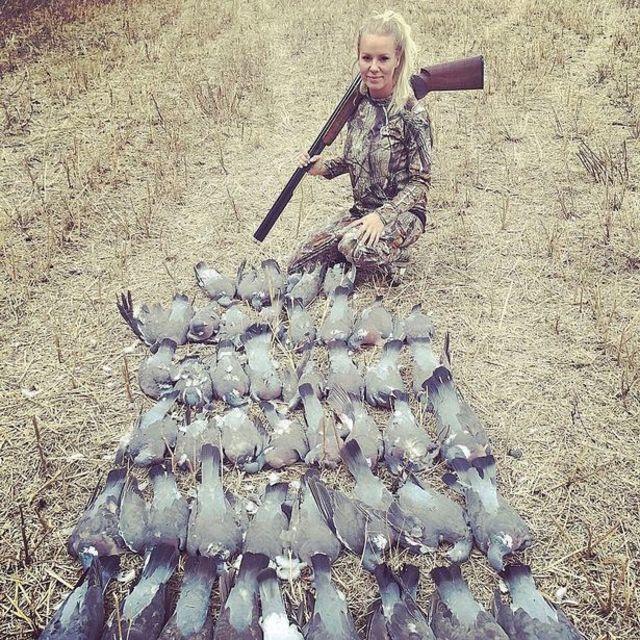 堅持不去超市買肉 英國辣媽自己打獵做晚餐! | 瑞秋在去年就獵殺了125隻鴿子。(翻攝自instagram)