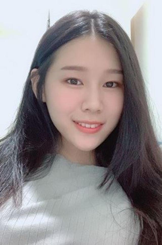 罷韓女大生提告 韓粉不怕繼續嗆 | 蔡姓女學生照片。(翻攝自蔡女臉書)