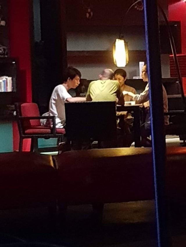 「國家機器」偷拍打麻將? 他嗆韓:沒證據就退出政壇! | 民進黨議員林智鴻PO出韓國瑜打麻將照片。(翻攝自林智鴻臉書)