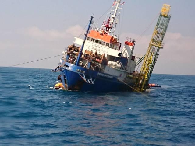 離岸風機工作船傾斜棄船 40船員海巡海空大搜救 |