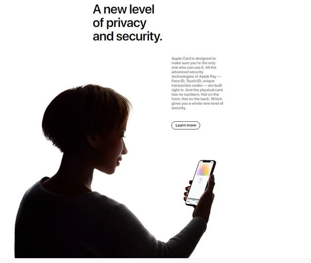 """堪稱""""地表最強信用卡"""" Apple Card嬌貴難照顧?!   重視隱私的蘋果,付費需經過touch ID、Face ID解鎖。(翻攝/蘋果官網)"""